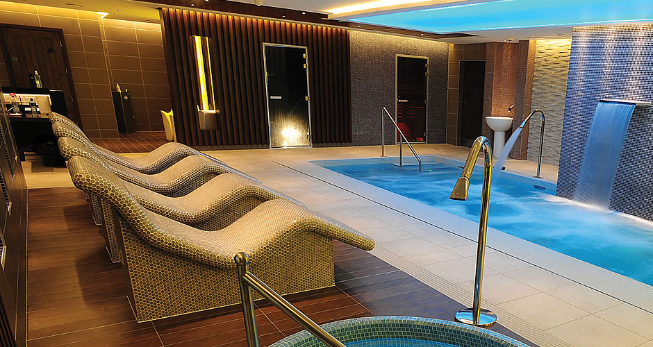 Home spa luxury private health suite becomes this years for Luxury spa weekends for couples