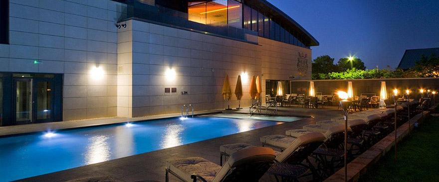 Hydrotherapy Spa Installations & Tiled Spas: The Next Generation of Luxury