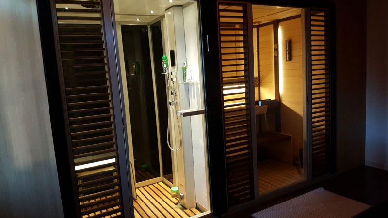 Top 5 Benefits of a Having a Sauna and Steam Room at Home